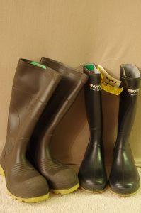 Rubber Boots Size M7/W9 & BlackWomans 7