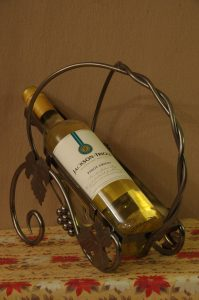 Jackson Triggs Wine & Wine Bottle Holder