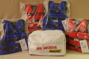 4 Pack of Life Jackets (Size L) X 4